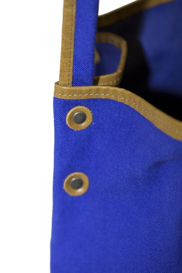 Streetstyle tote bag detail
